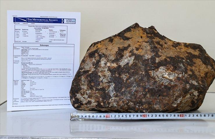 Van'da bulunan göktaşı Meteorit Veri Bülteni'ne işlendi