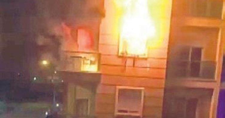 Yangından 11 kişi kurtarıldı