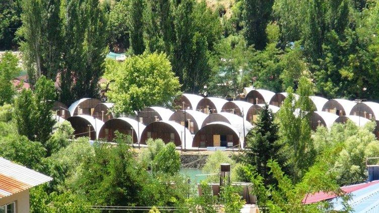 Türkiye'nin ilk çadır kamp konseptli oteli Tunceli'de açıldı