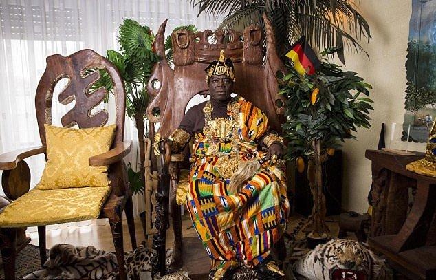 Afrika'nın kralı Almanya'da araba tamircisi