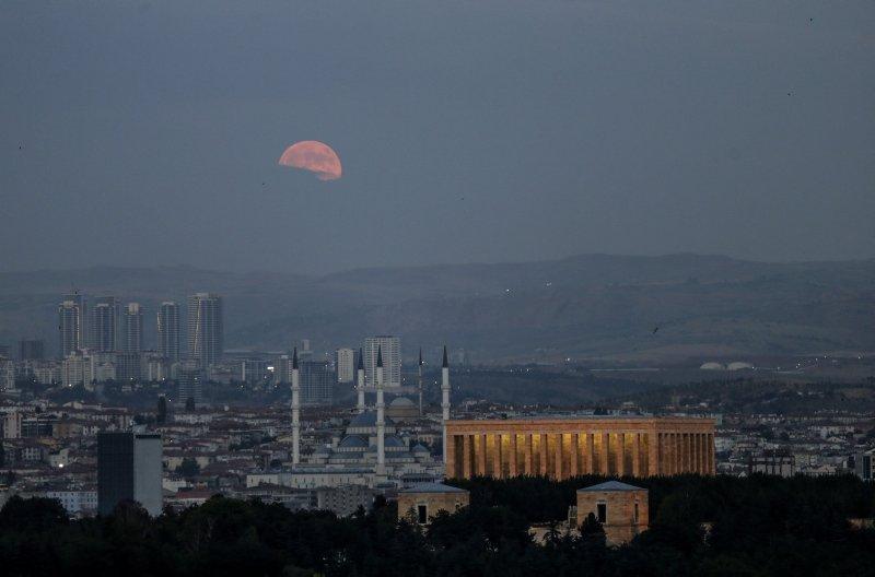 Yüzyılın En Büyük Kanlı Ay Tutulması Galeri Yaşam 27 Nisan