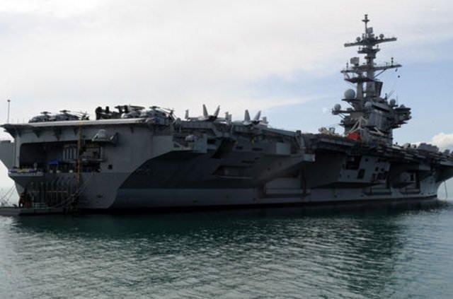 ABD savaş uçağı gemisi Antalya'da demirledi