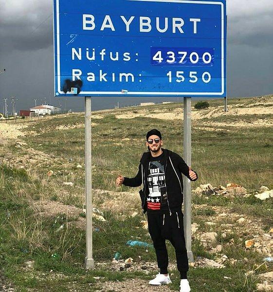 Hakan Çalhanoğlu tatilini memleketi Bayburt'ta geçiriyor