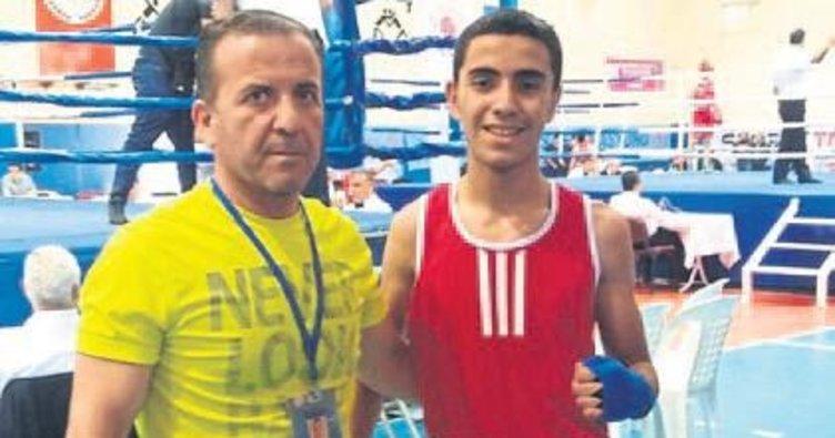 Mersinli genç boksörden 4. şampiyonluk
