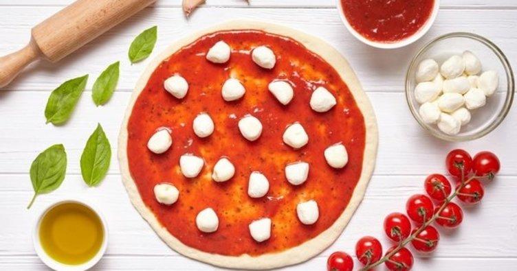 Pratik malzemeleri ile evde pizza tarifi: En nefis, lezzetli ve püf noktası ile evde pizza tarifi