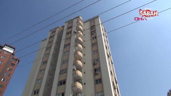 Adana'da 11'inci kattaki evinin pencere camını silerken düşen kadın öldü | Video