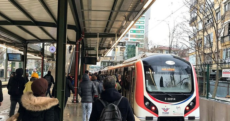 Gebze-Halkalı Banliyö Tren Hattı'nda ilk gün böyle başladı