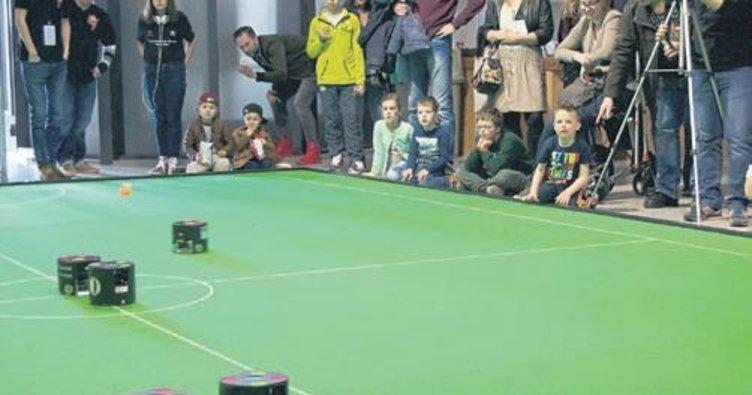 Robot Futbol Takımı'nın 3. nesil futbolcularının üretimine başlanıyor