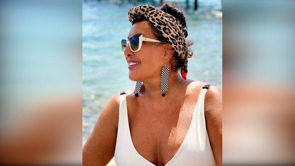 Ünlü Şarkıcı Nükhet Duru'nun mayolu görüntüsü sosyal medyada olay oldu | Video
