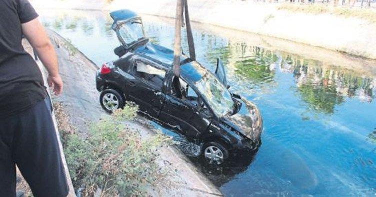 Kontrolü kaybetti sulama kanalına uçtu