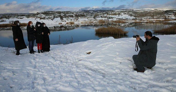 Frigya Vadisi'ni kar beyaza bürüdü