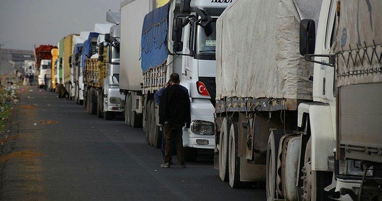 Türkiye'nin Orta Doğu'ya açılan kapısı Habur'da araç yoğunluğu