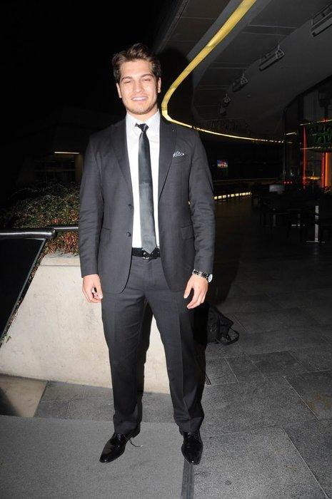Çağatay Ulusoy, David Beckham'ı bile solladı!