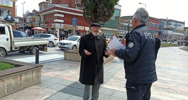 Sokağa çıkan dede polis ile tartıştı! 82 yaşındayım böyle bir şey görmedim