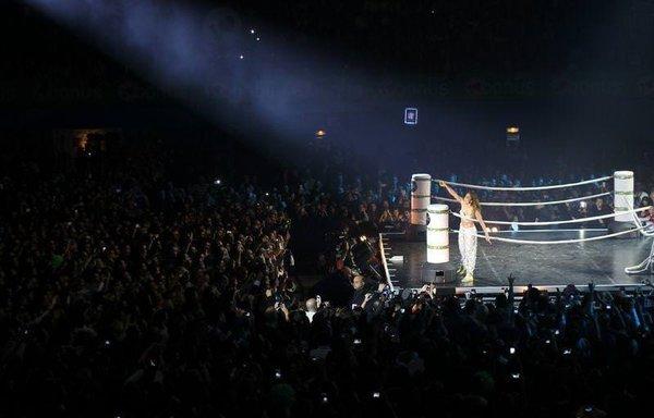 Jennifer Lopez İstanbul'u salladı