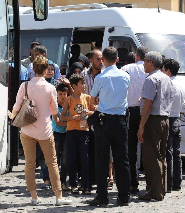 Gaziantep'te ki bazı Suriyeliler Çadır Kente gönderiliyor