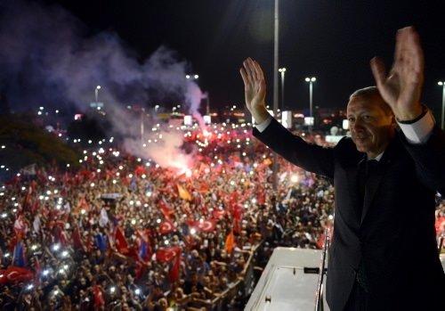 Başbakan Erdoğan'a muhteşem karşılama