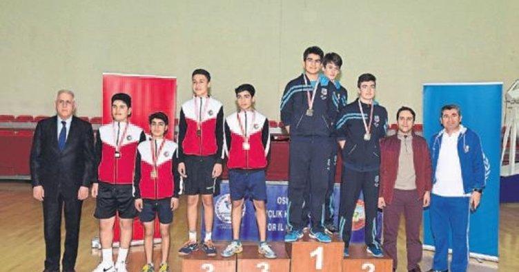 Osmaniye'de masa tenisi grup müsabakaları sona erdi