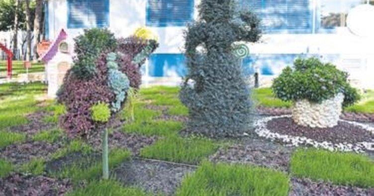 Bitki heykelleri göz kamaştırıyor