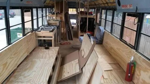 Hurda otobüsü öyle güzel bir eve dönüştürdüler ki