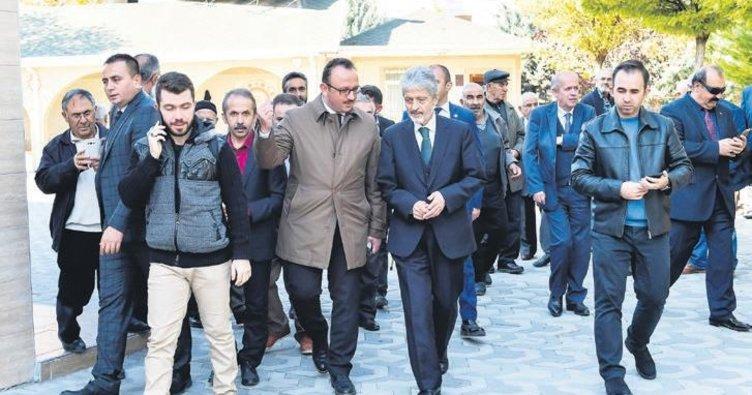 Vatandaş kaldırım istedi Başkan Tuna talimat verdi
