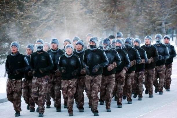 Dünya ordularından ilginç kareler