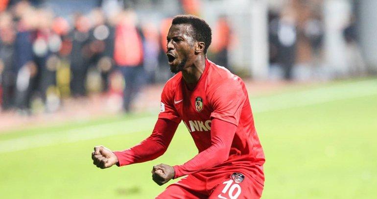 Son dakika: Sivasspor Olarenwaju Kayode'yi kadrosuna kattı