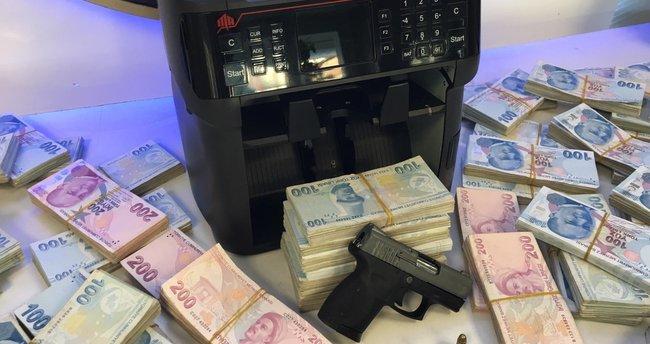 İstanbul'da yasa dışı bahis operasyonu! Sisteme giriş yaparak çeteyi çökerttiler!