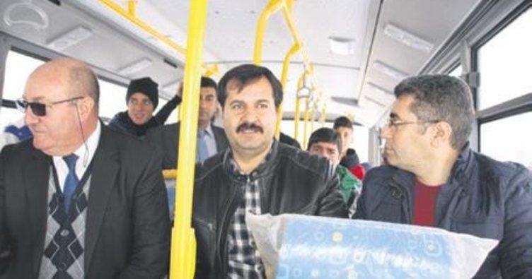 Varto Belediyesi öğrencilere otobüs hibe etti