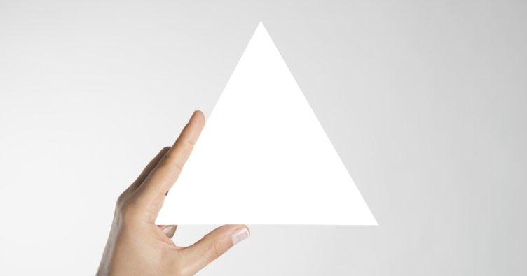 7 24 25 üçgeni açıları ve ağırlık merkezi nedir? 7 24 25 özel üçgeninin özellikleri ve iç açıları
