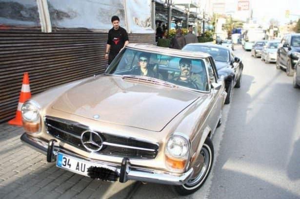 Klasik araba sevdalısı ünlüler