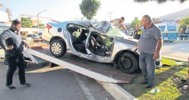 Çeşme'de trafik kazası: 2 yaralı