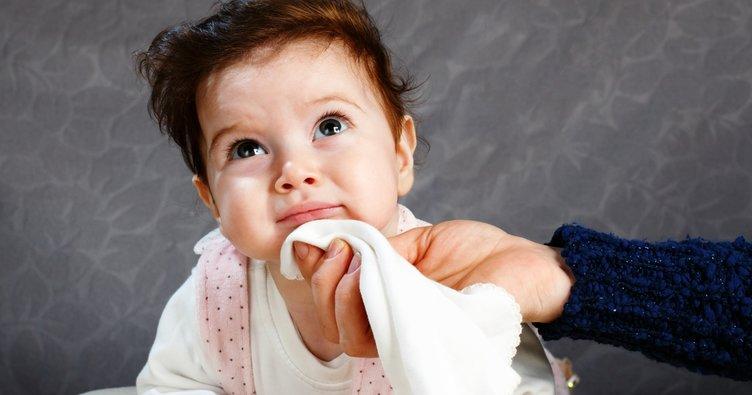 Yeni doğan bebeklerde kusmanın nedenleri nelerdir?