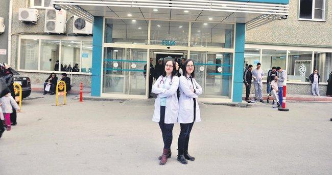 Meram'ın ikiz doktorları: Melek ve Dilek