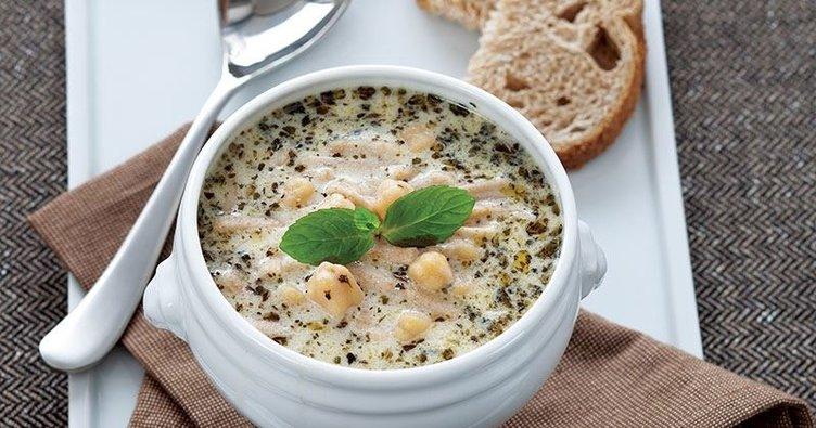 Erişteli yoğurt çorbası tarifi: Erişteli Yoğurt Çorbası nasıl yapılır?