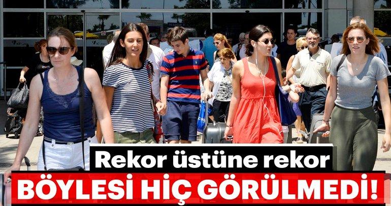 Son dakika: Antalya turist sayısında 9,5 milyonu geçti