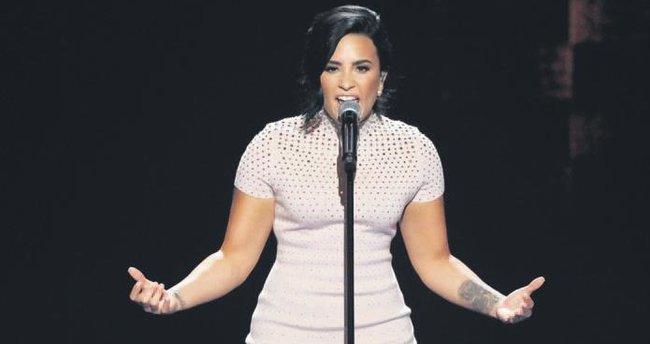 Amerikalı şarkıcı 1 Ekim'de Expo 2016'da