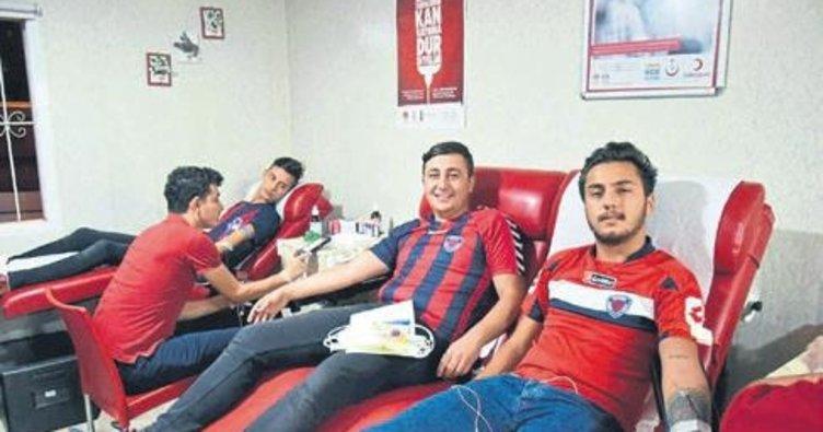 Kırmızı Şeytanlar kan bağışı yaptı