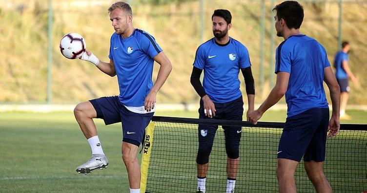 Erzurumspor'da yeni transferler takımla çalıştı