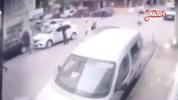 Yaşlı kadın karşıdan karşıya geçerken ölümden kıl payı kurtuldu | Video