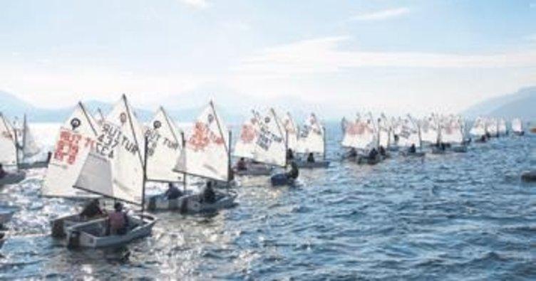 Optimistler Eğirdir'de yelken açıyor