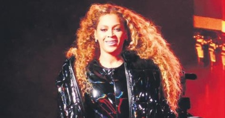 Beyonce söyledi Rihanna izledi