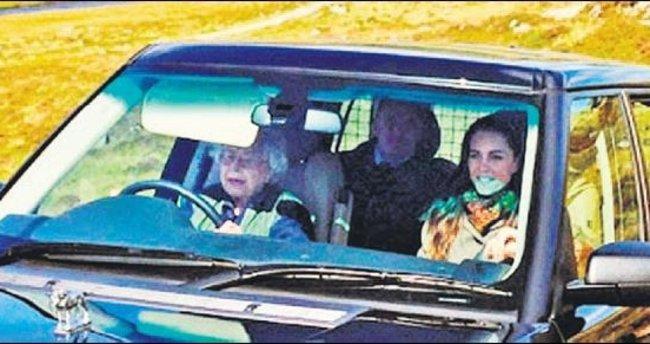 Düşes'in şoförü bile kraliçe!