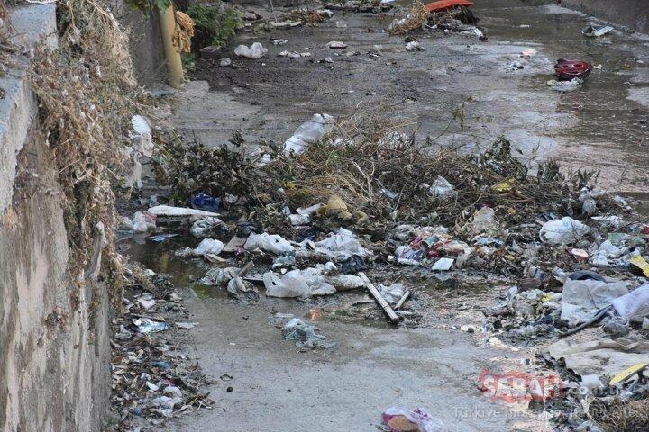 İzmir'de her yıl aynı sorun! Karabağlar esnafının taşkın endişesi