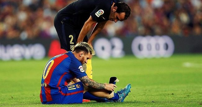 Barcelona - Atletico Madrid maçında sakatlanan Messi 3 hafta yok