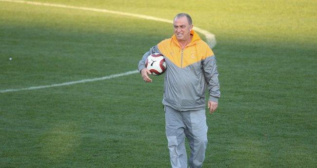 Son dakika: Galatasaray'da dev transfer harekatı! 2 isim yolcu, Fatih Terim'e kötü haber