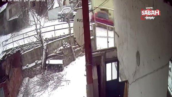 Buzda kayan araç kameralara yansıdı | Video