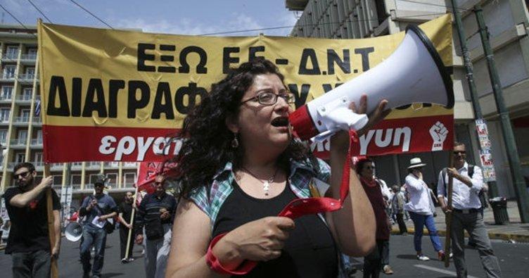 Yunanistan'da gazeteciler 24 saatlik greve girdi