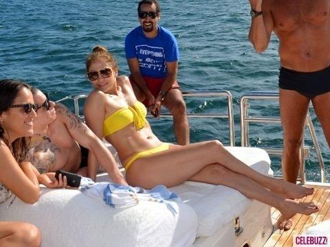 Jennifer Lopez-Casper Smart