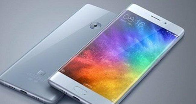 Kavissiz ekranlı Xiaomi Mi Note 2 sızdırıldı